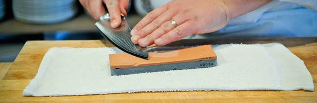 how-to-sharpen-a-chef-knife-using-water-stone